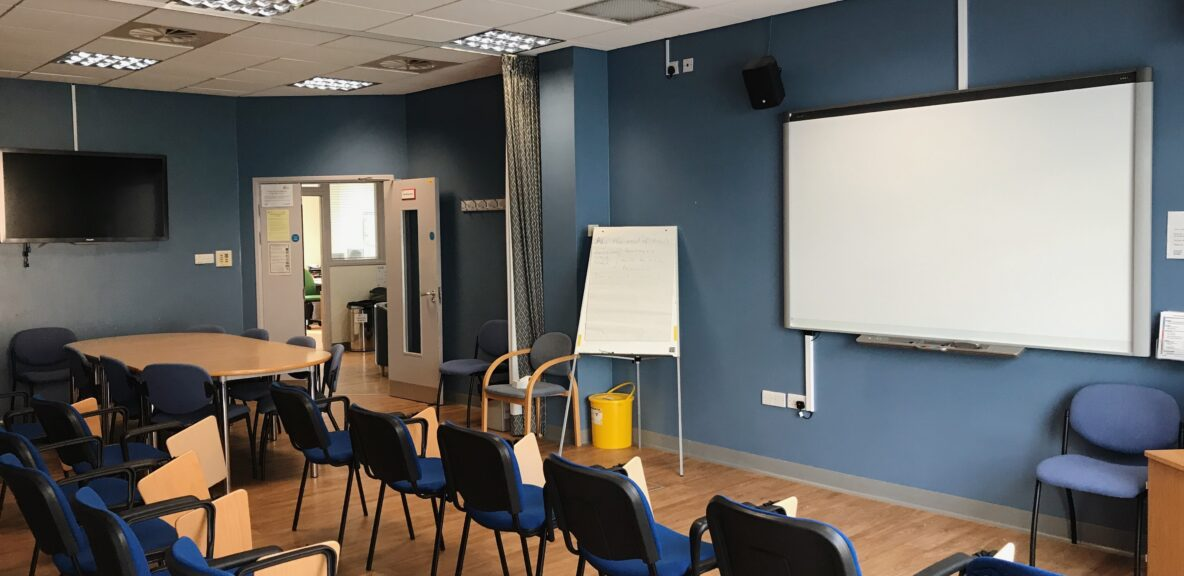 Debrief teaching room